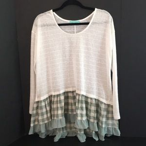 Filly Flair white & light green long sleeve tunic